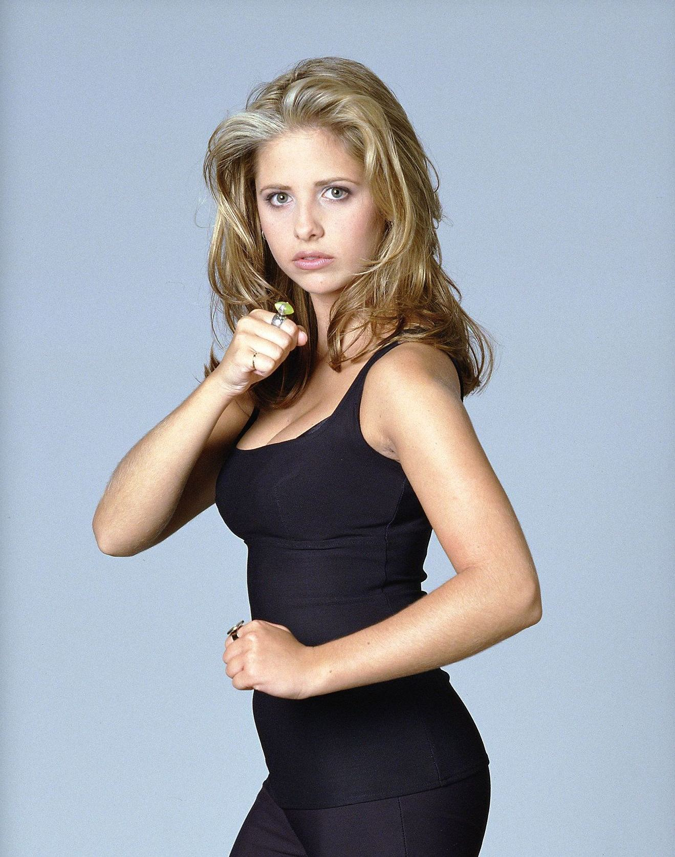 Sarah michelle gellar as buffy