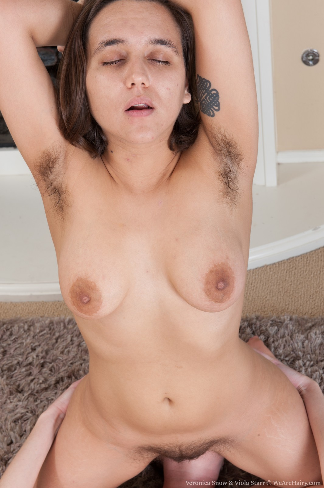 Eating mature hairy pussy
