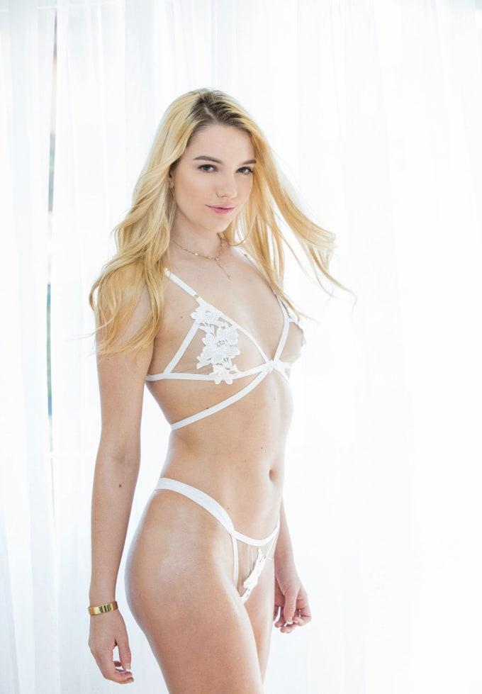 Hot blonde female porn stars