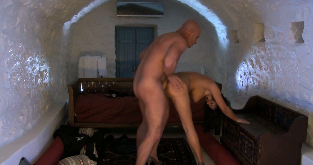 attractive ebony girls nude