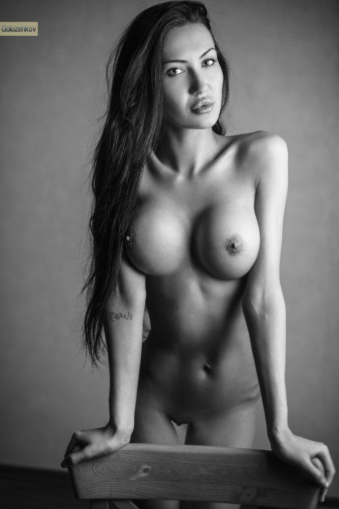 White girl models nude — img 5