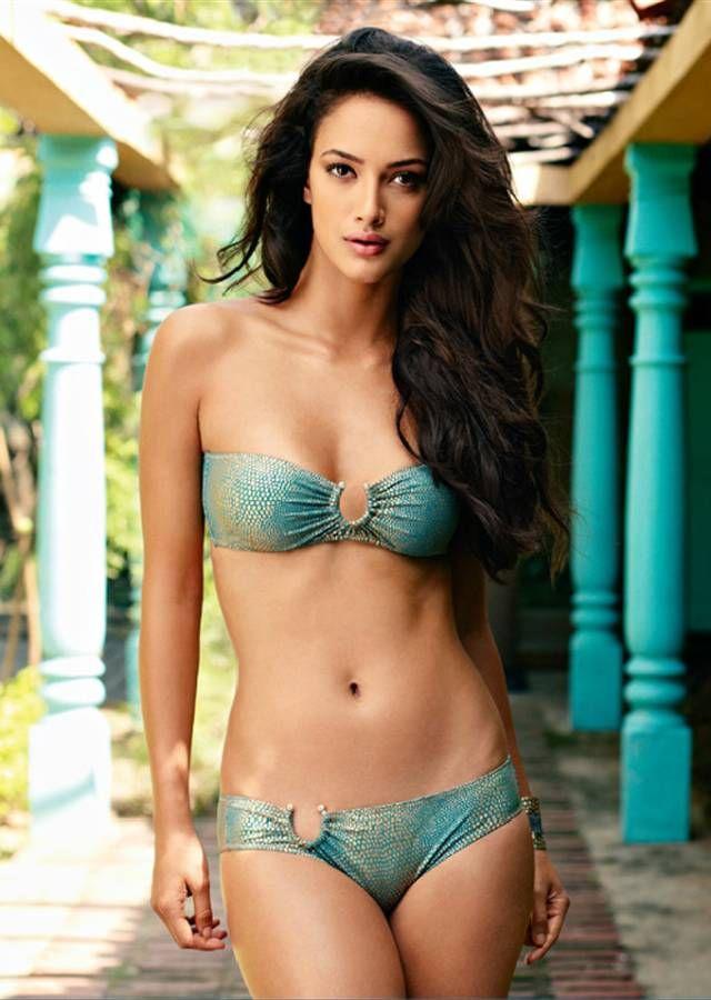 girl swimsuit models Indian