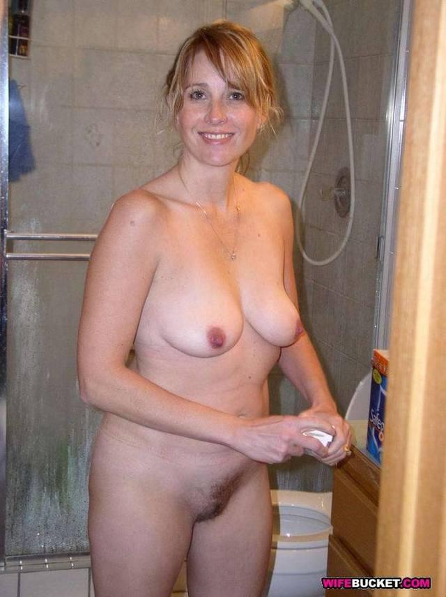 Classy naked moms