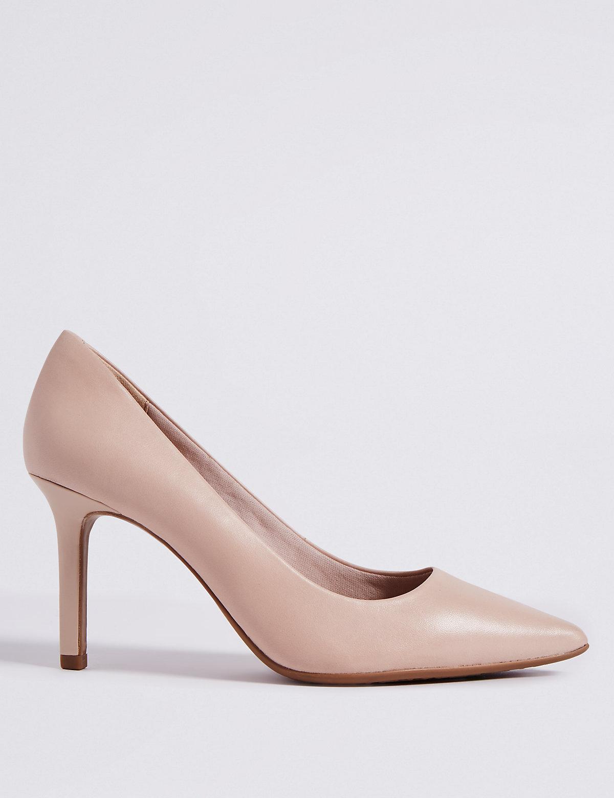 Slave girl nude high heels