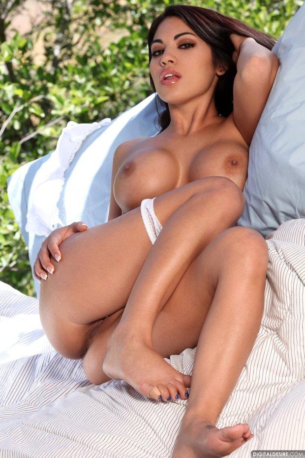 Hot latina pussy big tits