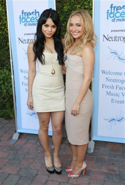 Hayden panettiere and vanessa hudgens