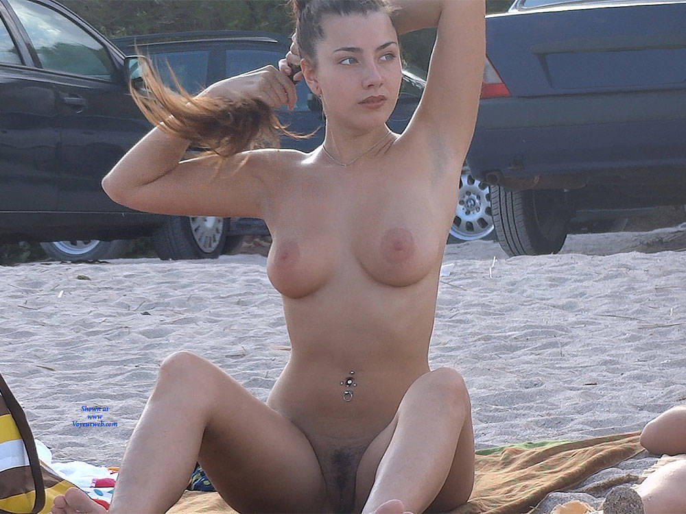 Girl porn brunette black men pic beach