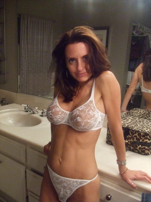 Sexy cougar ass in panties