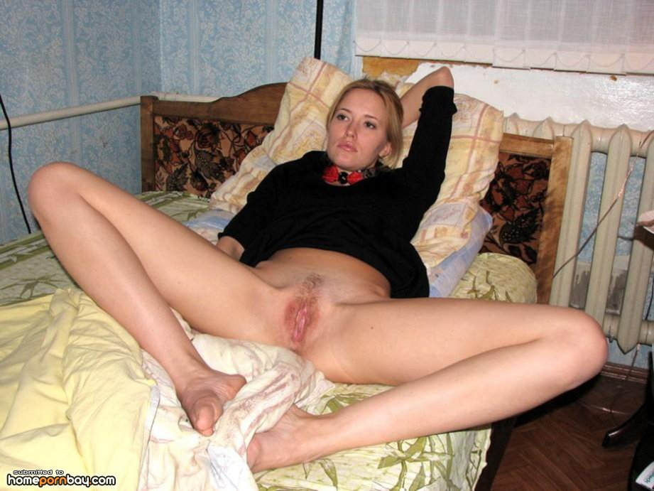 homepornbay.com naked russian russian amateur homemade spread legs on bed