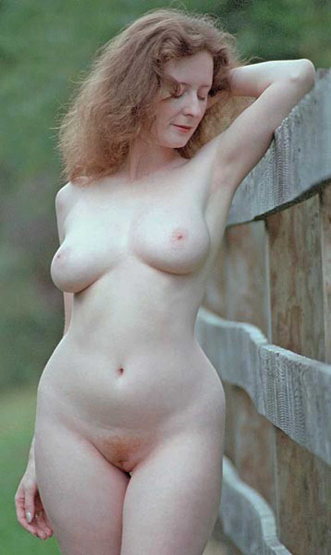 Mature hourglass nude