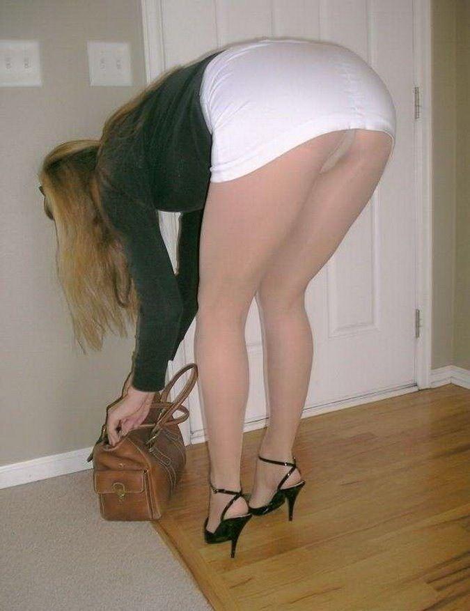 Mature women pantyhose upskirt