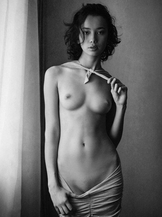 Drop dead gorgeous nude girls