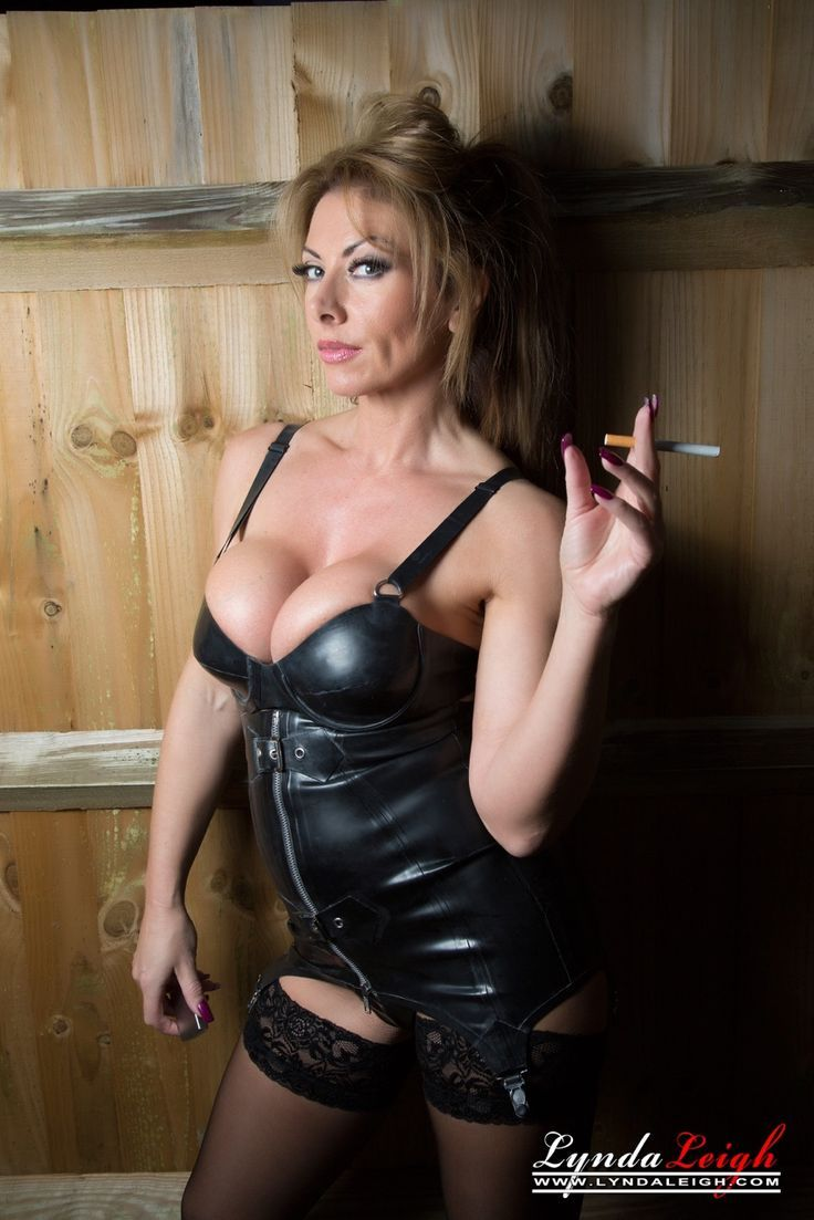 Sexy mature women smoking