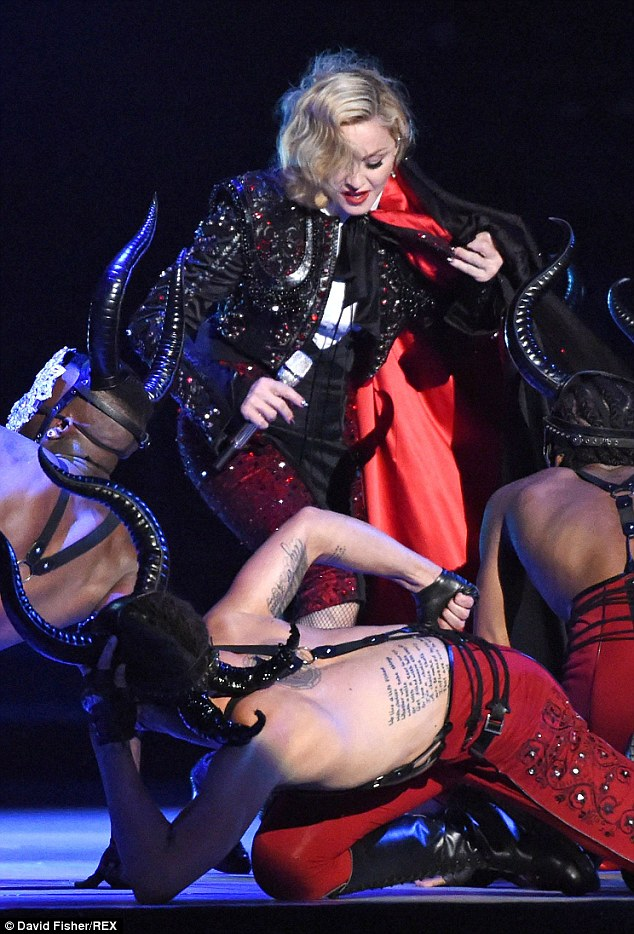 Madonna on stage pussy