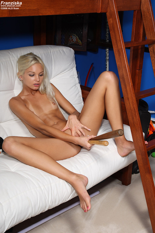 Hot girls masturbating with toys