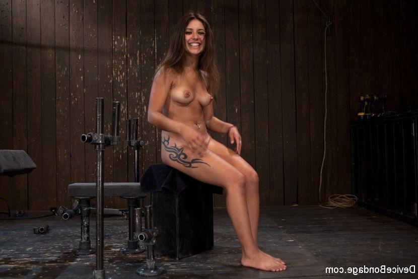 Nicole aniston wet pussy