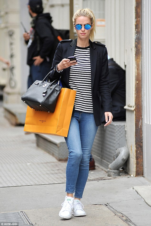 Nicky hilton wearing tight jeans