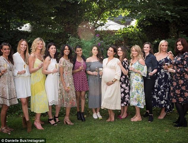 Naked pregnant women group