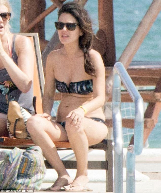 topless Rachel bikini bilson