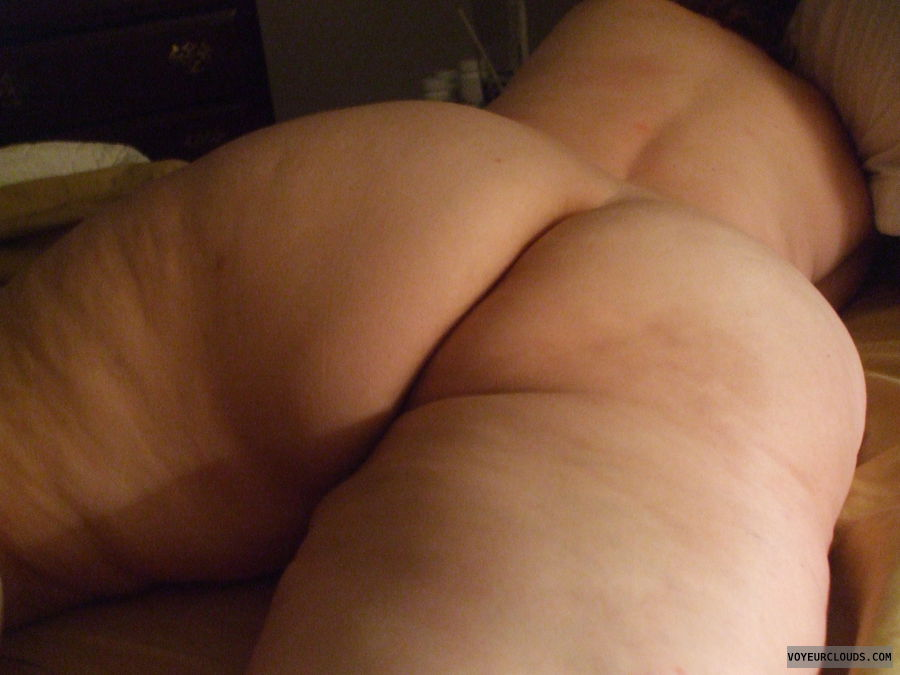 wife sleeping naked Nude