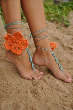 feet Linda lay