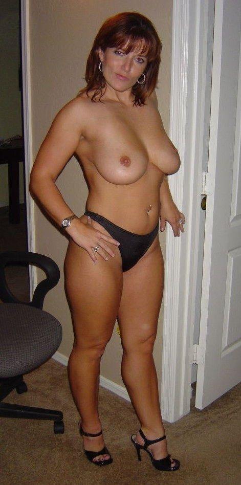 Nude amateur cougars
