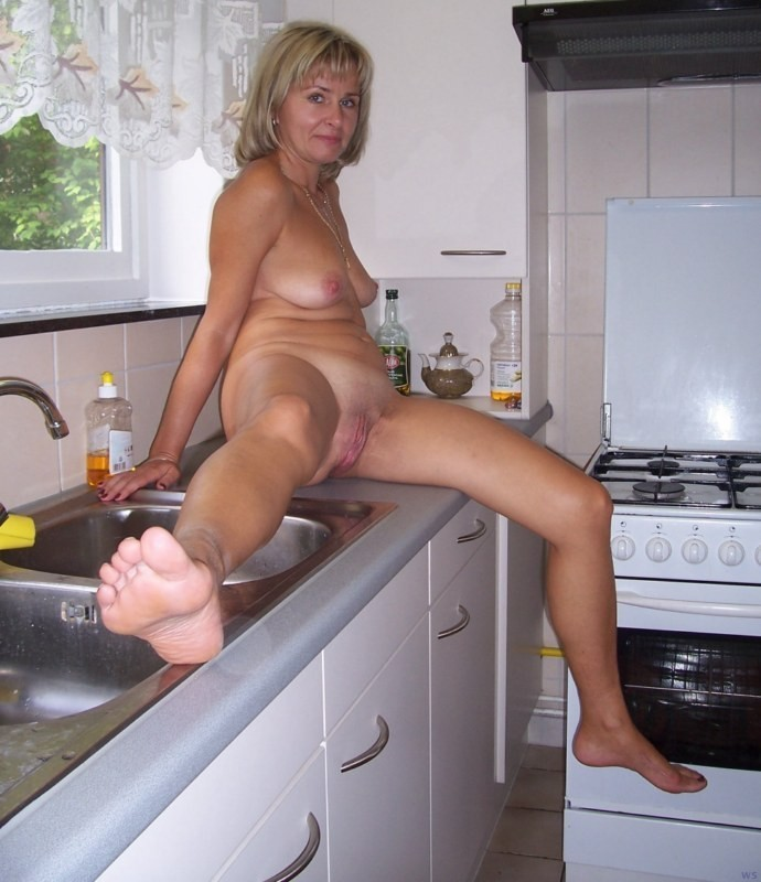 Amateur mature naked ladies