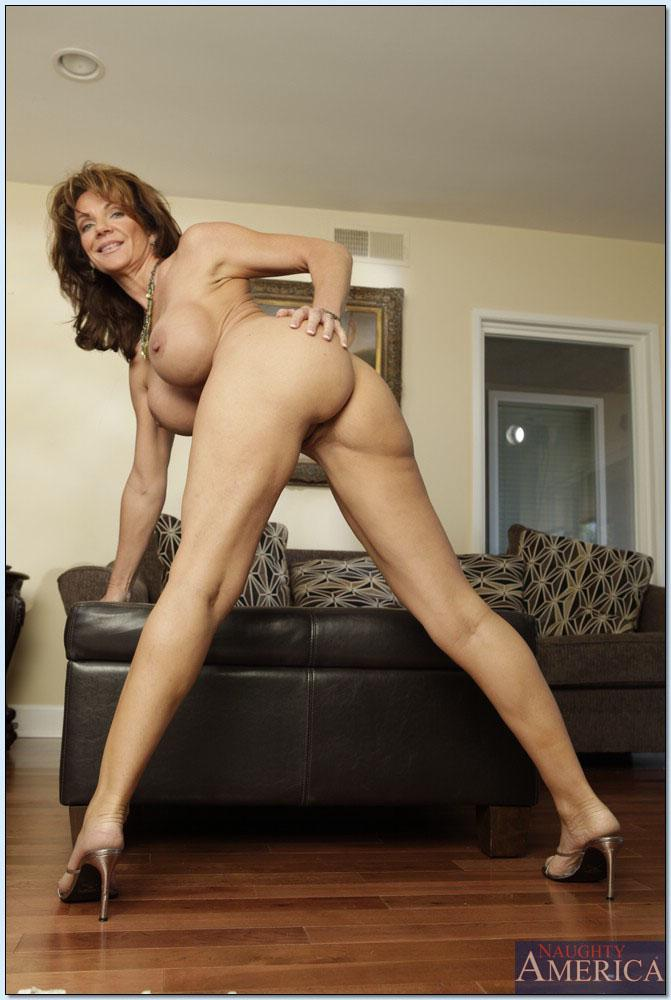 Deauxma seduced by cougar