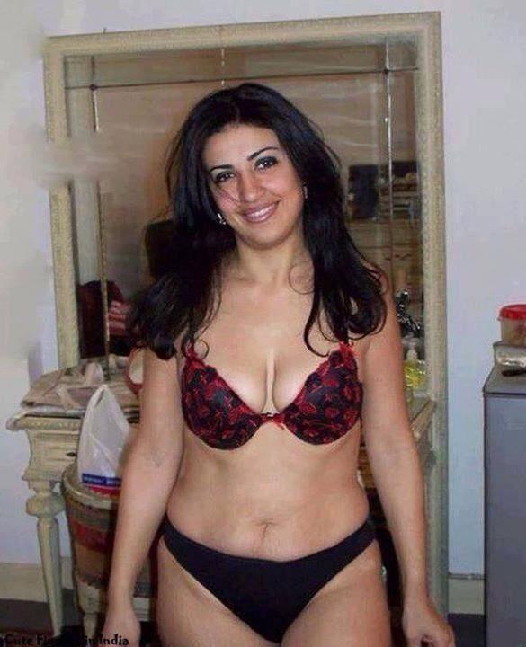 Desi aunty bra