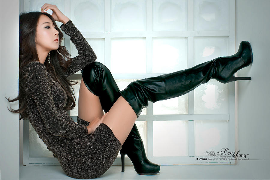 Girls wearing leather boots sex