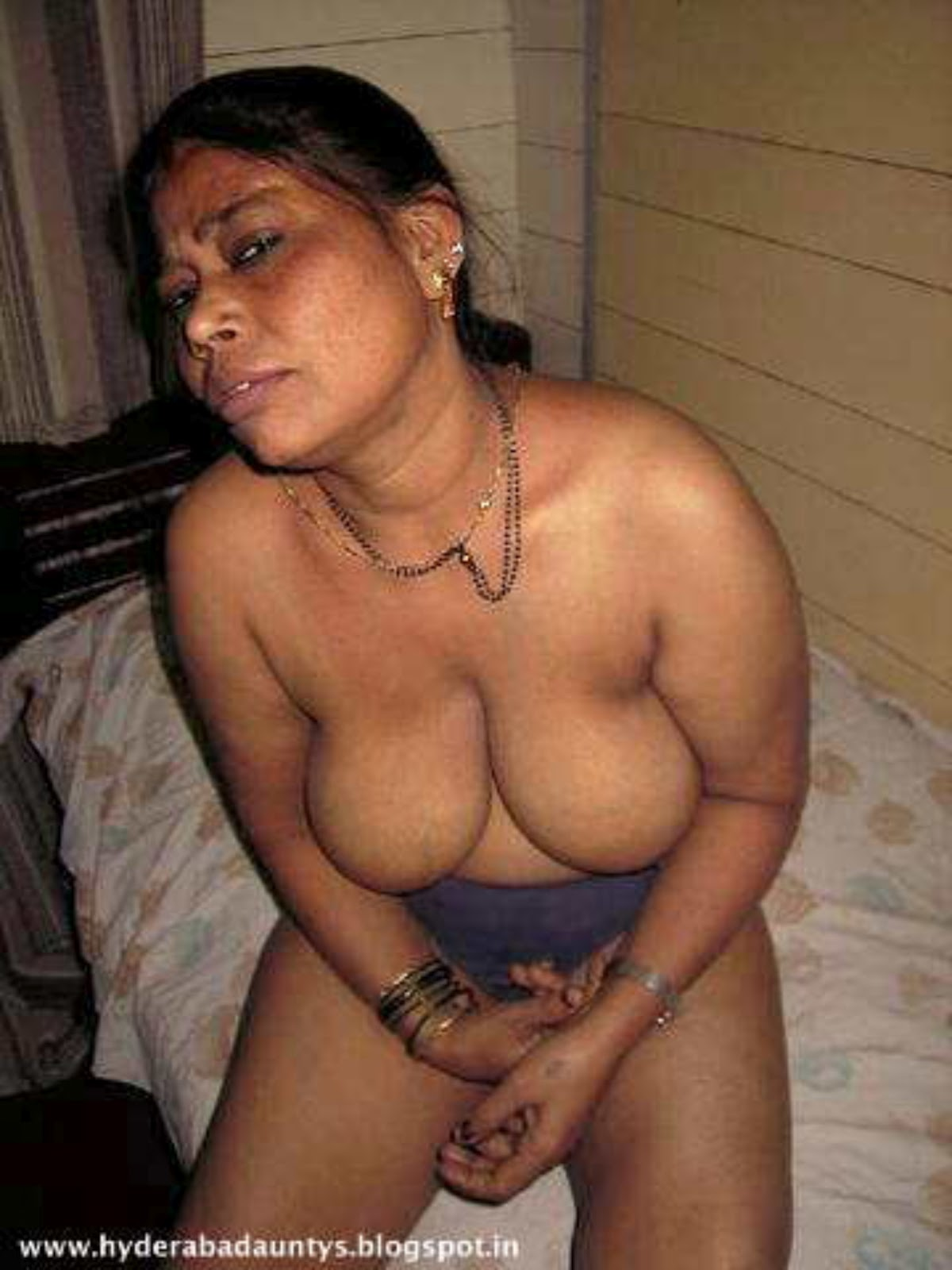 Old indian aunties nude