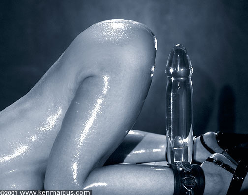 Glass dildo with squirter surprise