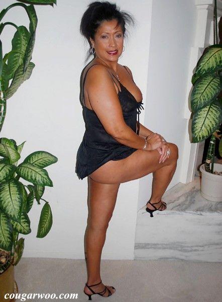asian cougar Sexy