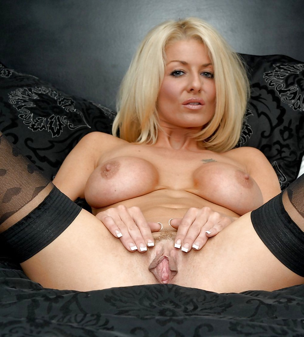 mature milf spread-sex archive