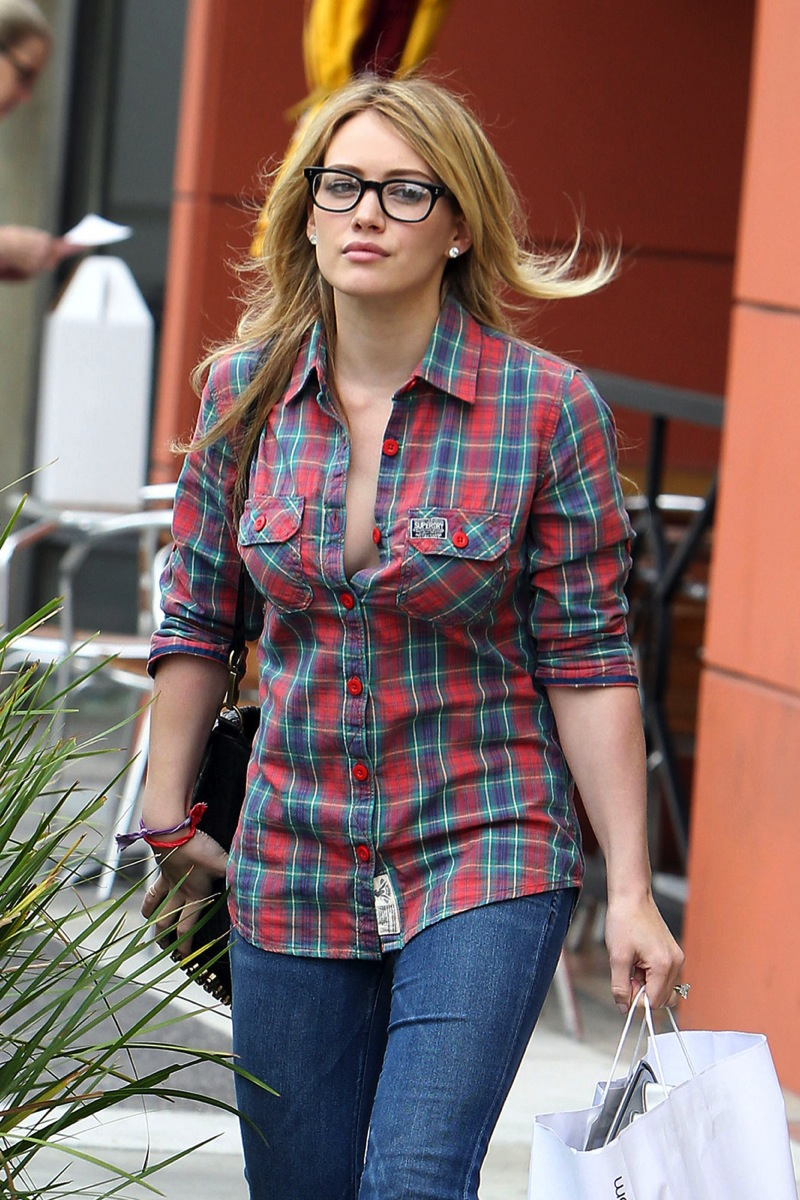 Open flannel shirt cleavage