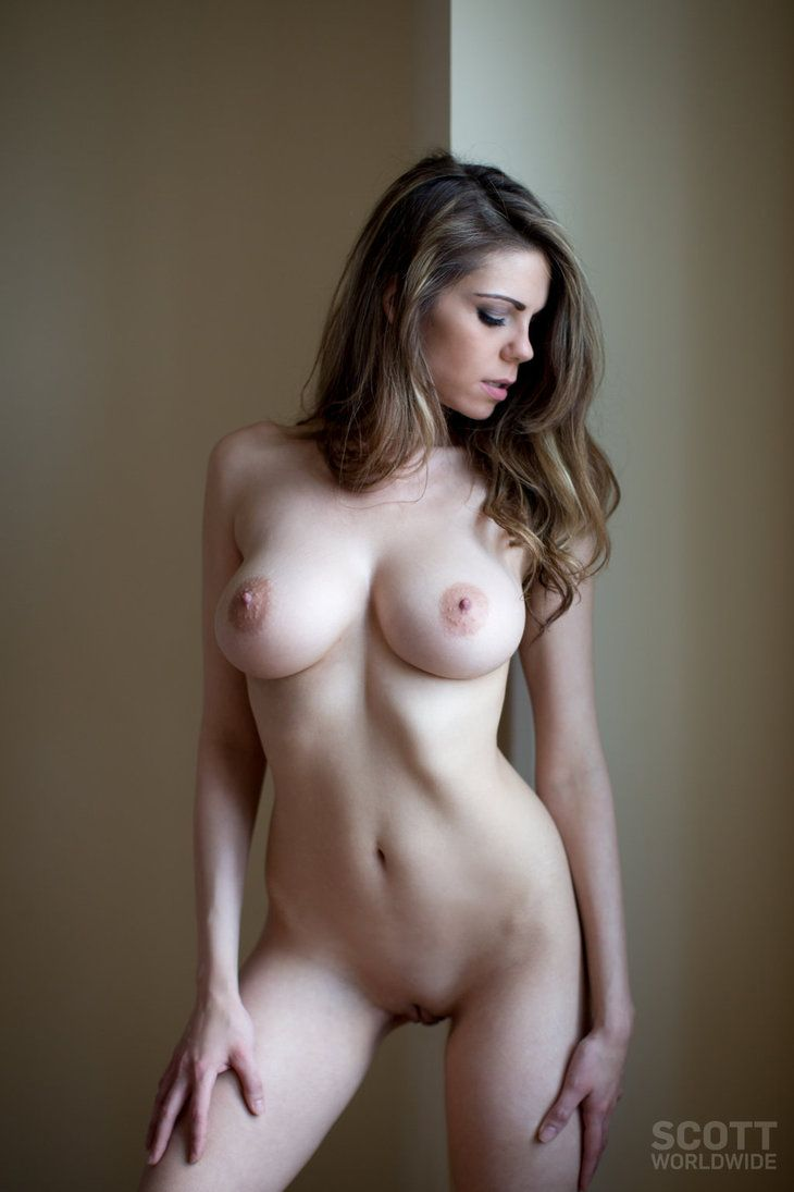 pic of a nice looking naked girl