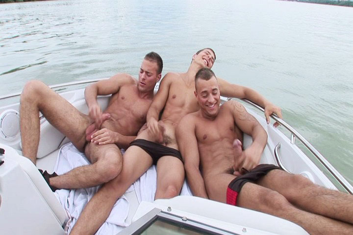 Threesome porn on a boat