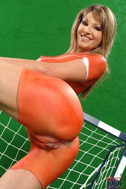 soccer Nude body girl painting