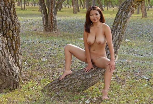Asian amateur nude girls outdoors