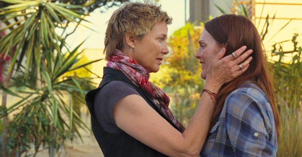 Explicit celebrity lesbian scenes