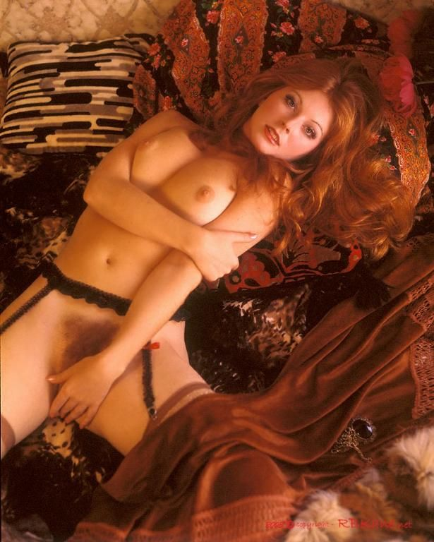 Cassandra peterson as elvira nude