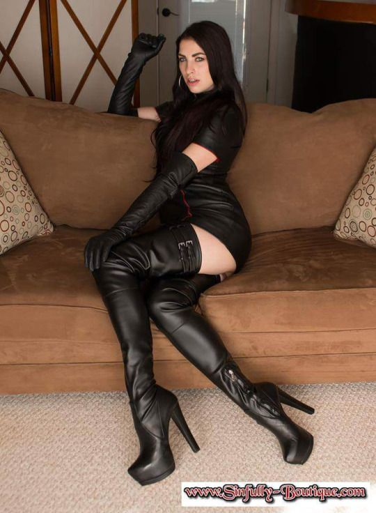 Shemale leather pants and boots