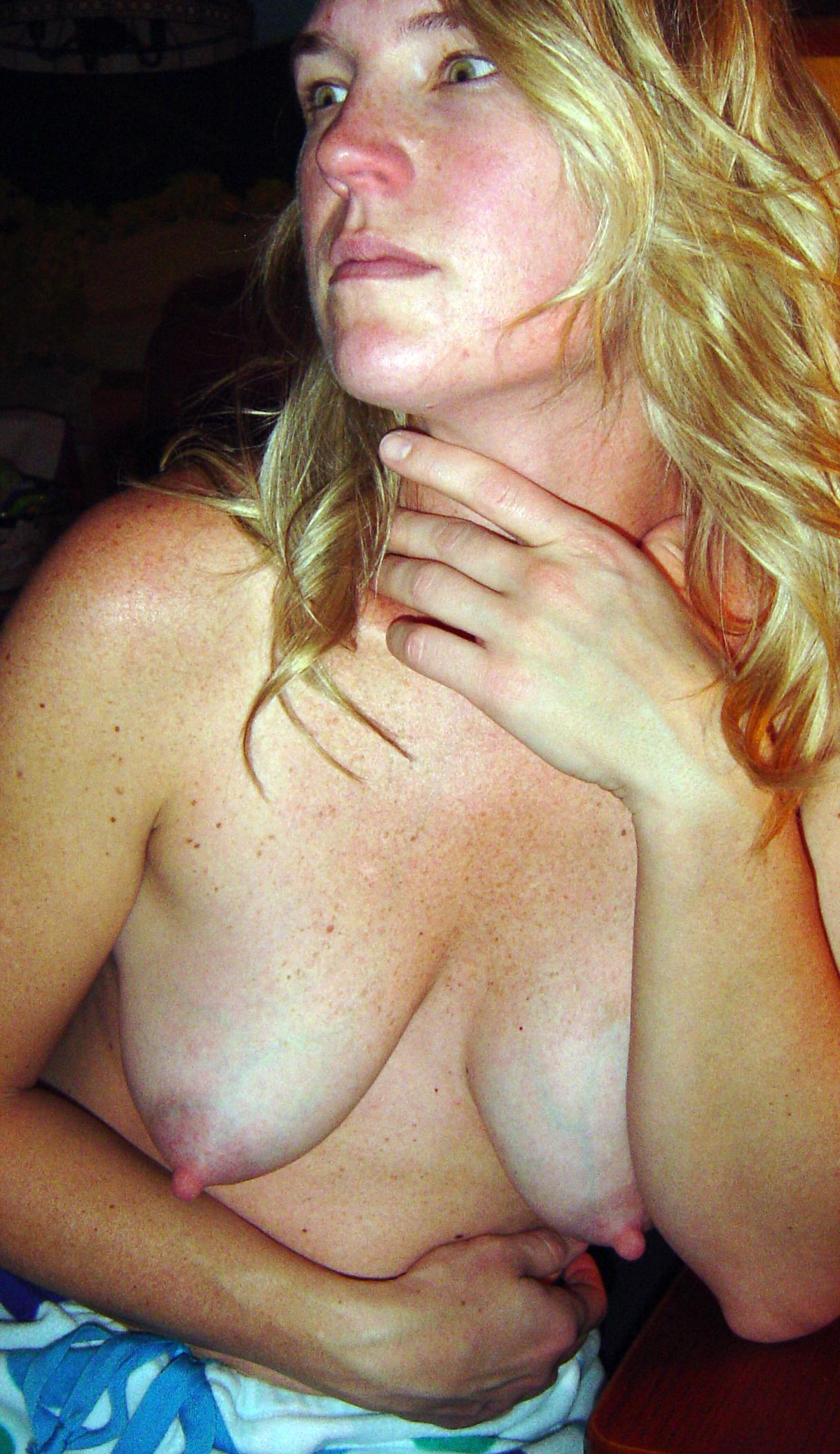 Amateur blonde milf nude naked moms