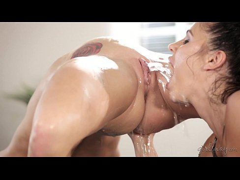 Squirting lesbians pussy squirt