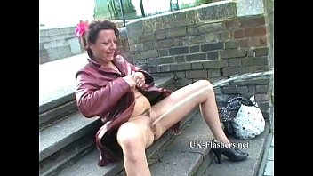 Hot mature wife exhibitionist milf