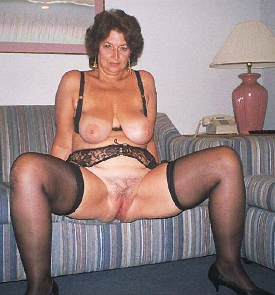 Amateur bbw hairy mature pussy