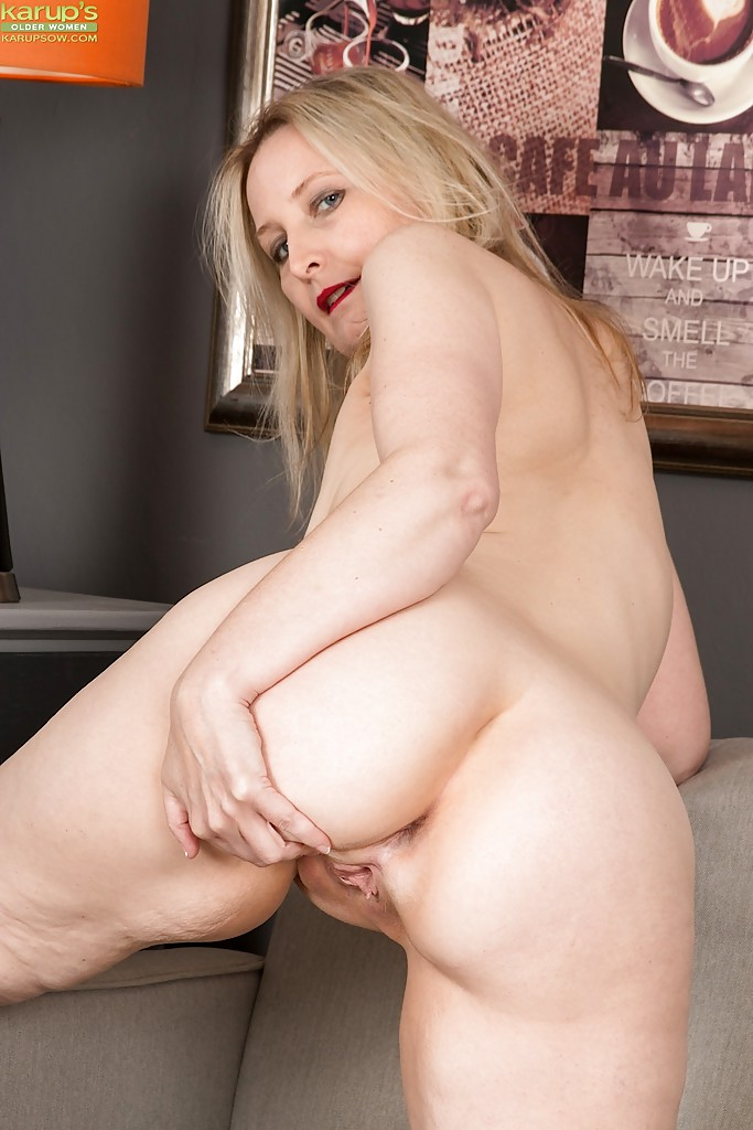 Naked women soccer mom