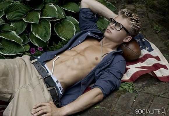 Male model jacob oates