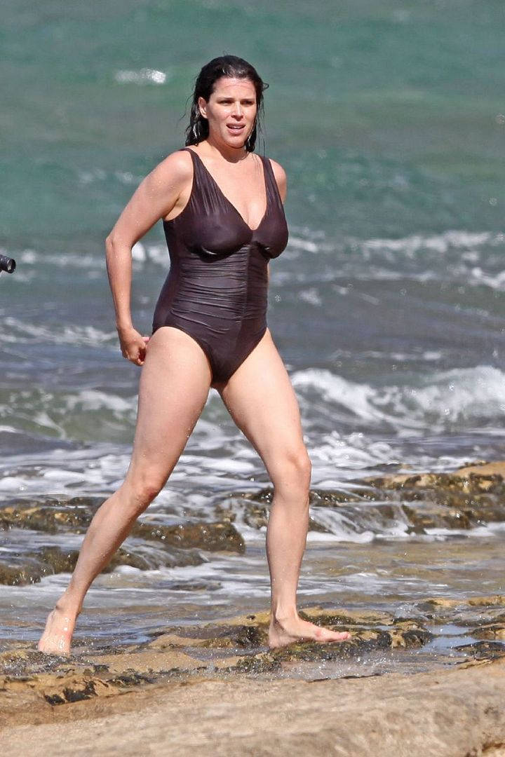 Neve campbell hot