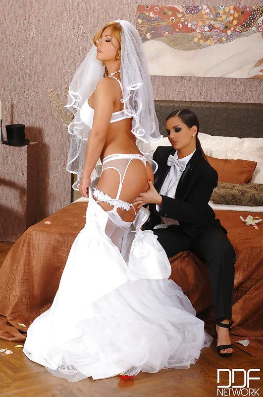 Eve angel and dorothy black lesbian wedding
